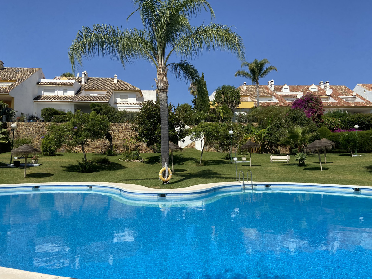 Beautiful townhouse with a large private garden located in Monte Biarritz, right on the border betwe,Spain