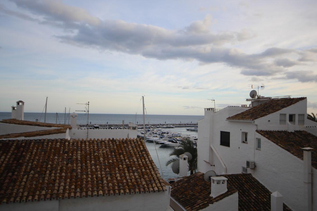 Apartamento en Venta en Puerto Banús – R3552550