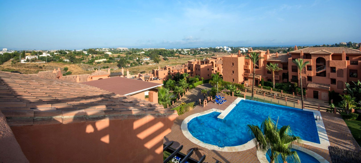 Marbella Banus Apartamento Planta Baja en Venta en Benahavís – R3750211
