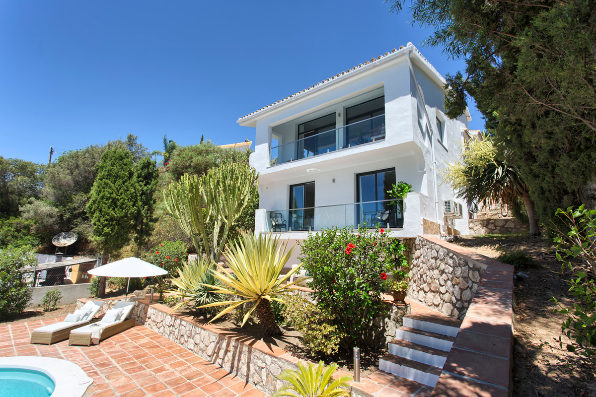 Stunning villa in El Rosario. This is a property that must be visited to really appreciate its beaut, Spain