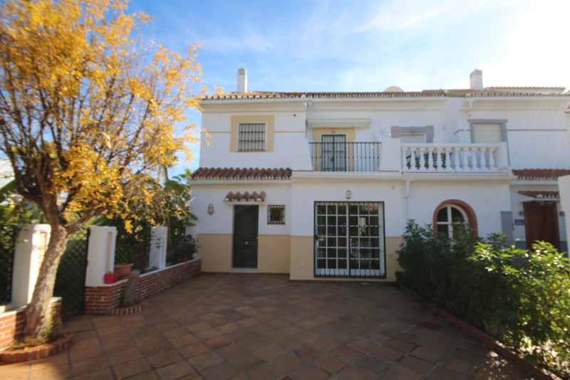 Adosada en venta, Estepona – R3550459