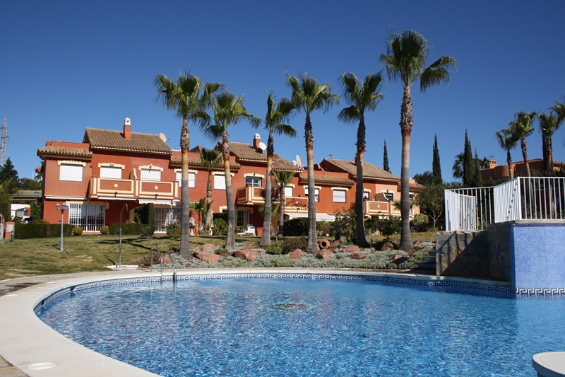 MONTE BIARRITZ: Well established residential area with very easy access to the N-340 motorway. Perfe,Spain