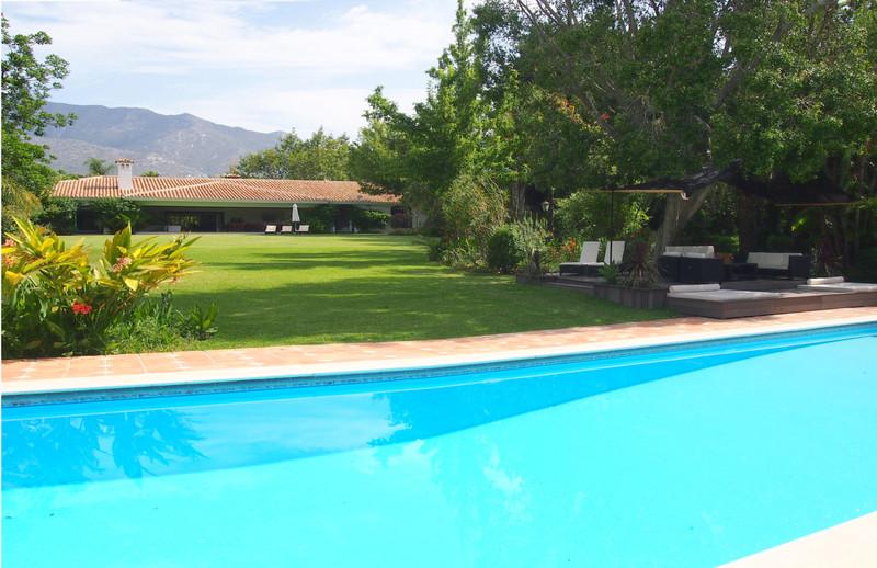 Marbella Banus Villa – Chalet en venta en The Golden Mile – R3391135