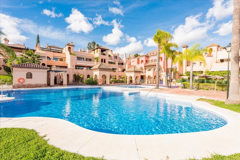 Large  duplex penthouse with 3 bedrooms and 3 bathrooms in the gated community near Atalaya golf. A ,Spain
