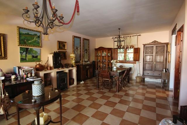 Villa con 4 Dormitorios en Venta Atalaya