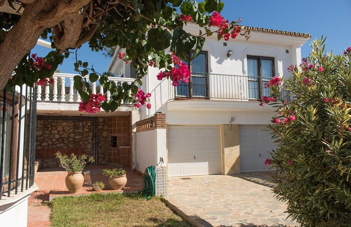 Villa 5 Dormitorios en Venta El Faro