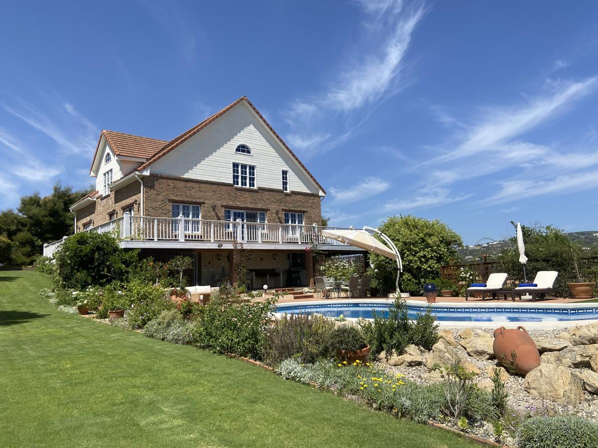 Ref:R3096532 Villa For Sale in Sotogrande Alto