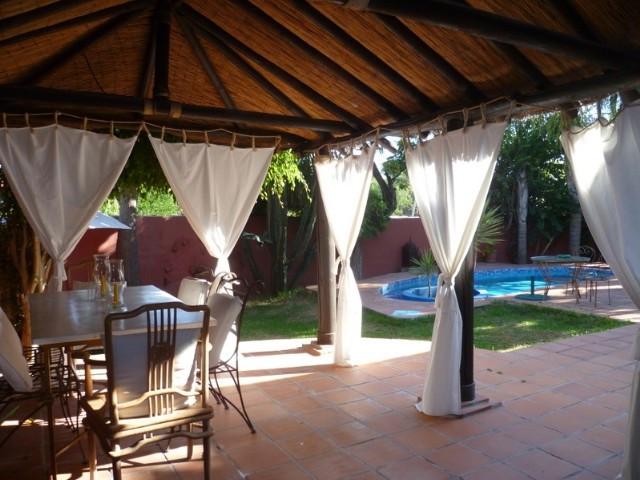 Marbella Banus Villa en Venta en Nagüeles – R2019050