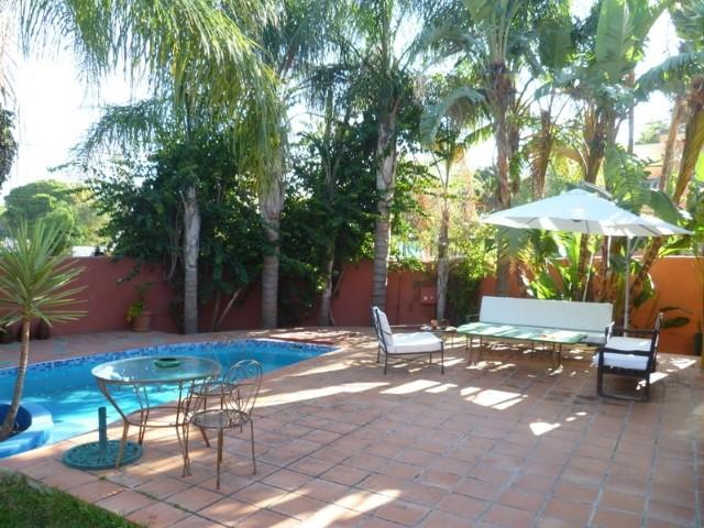 Villa en Venta en Nagüeles – R2019050