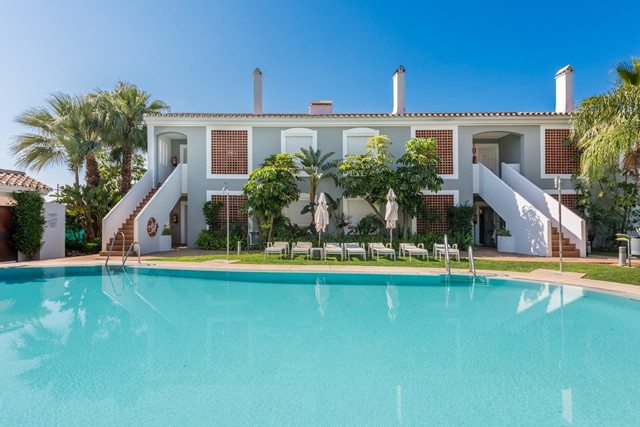 Modern apartment with a large terrace set in a small complex with a lovely communal garden with swim,Spain