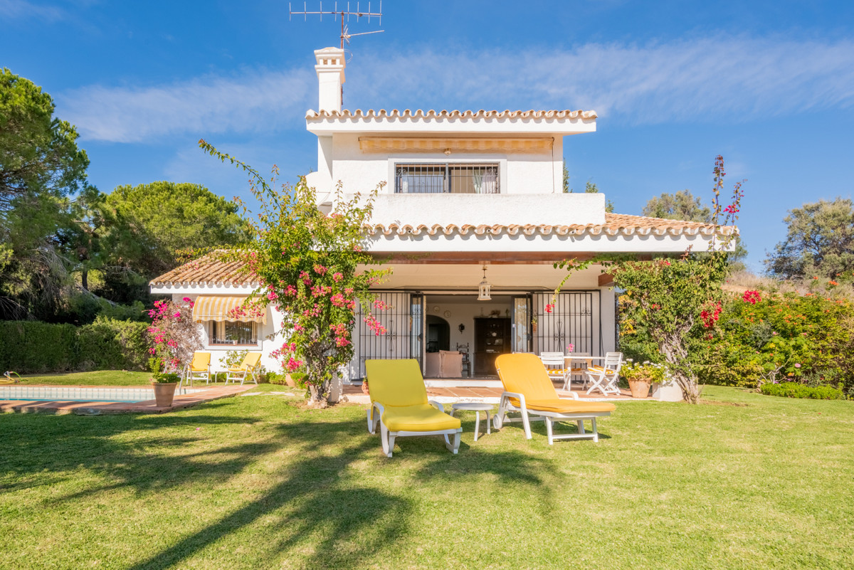 Detached Villa, Calahonda, Costa del Sol.  CALAHONDA: This charming villa is located in a cul de sac, Spain