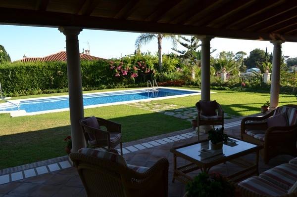 Villa – Chalet en Venta en San Pedro de Alcántara – R1932503