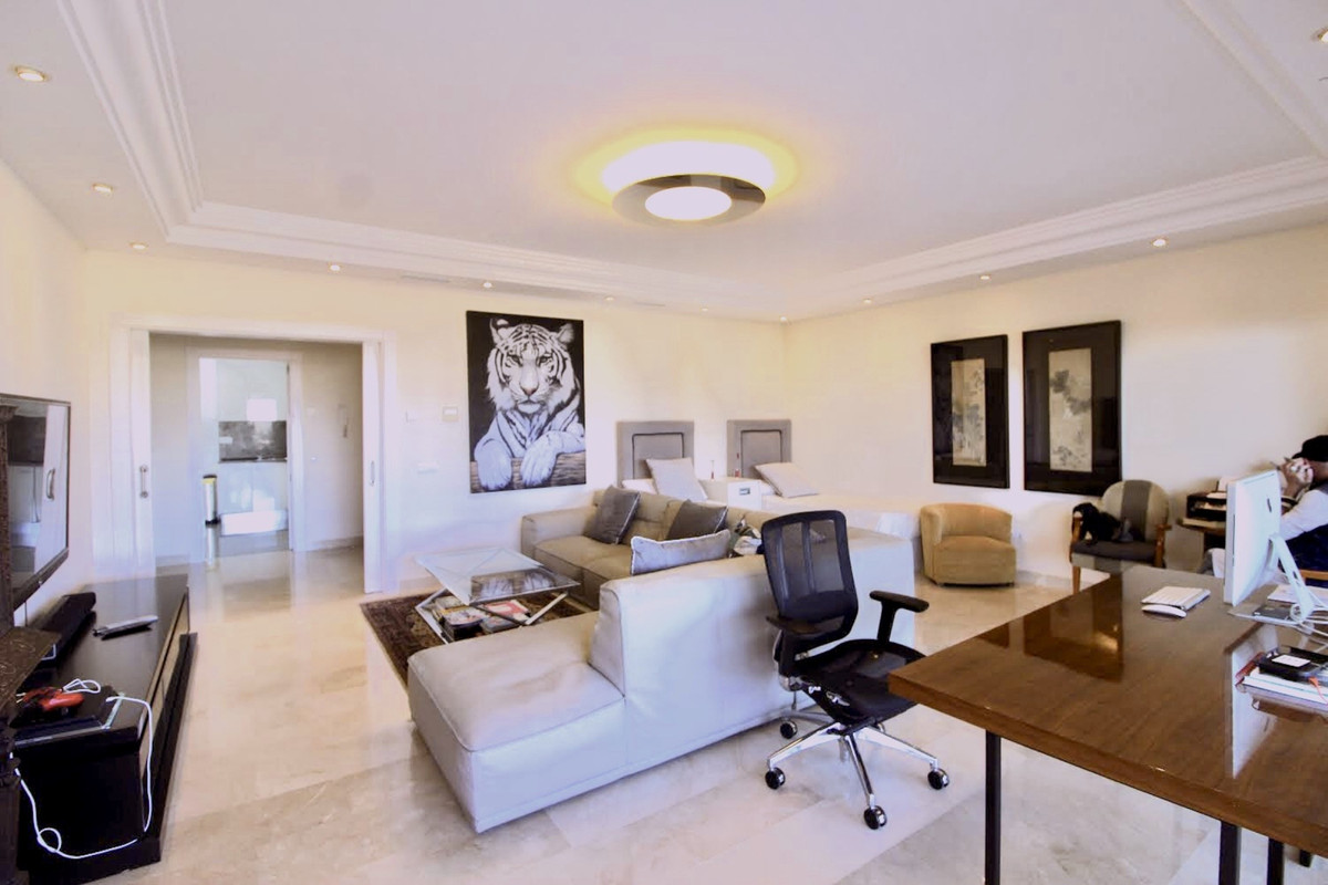Magnificent two bedroom ground floor in one of the best urbanizations in Nueva Andalucia-La Cornishe,Spain