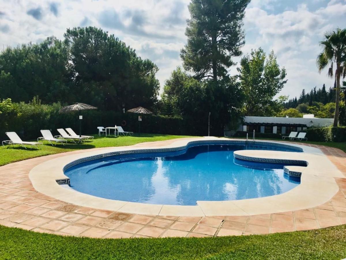 Marbella Banus Apartamento Planta Baja en Venta en The Golden Mile – R3682709