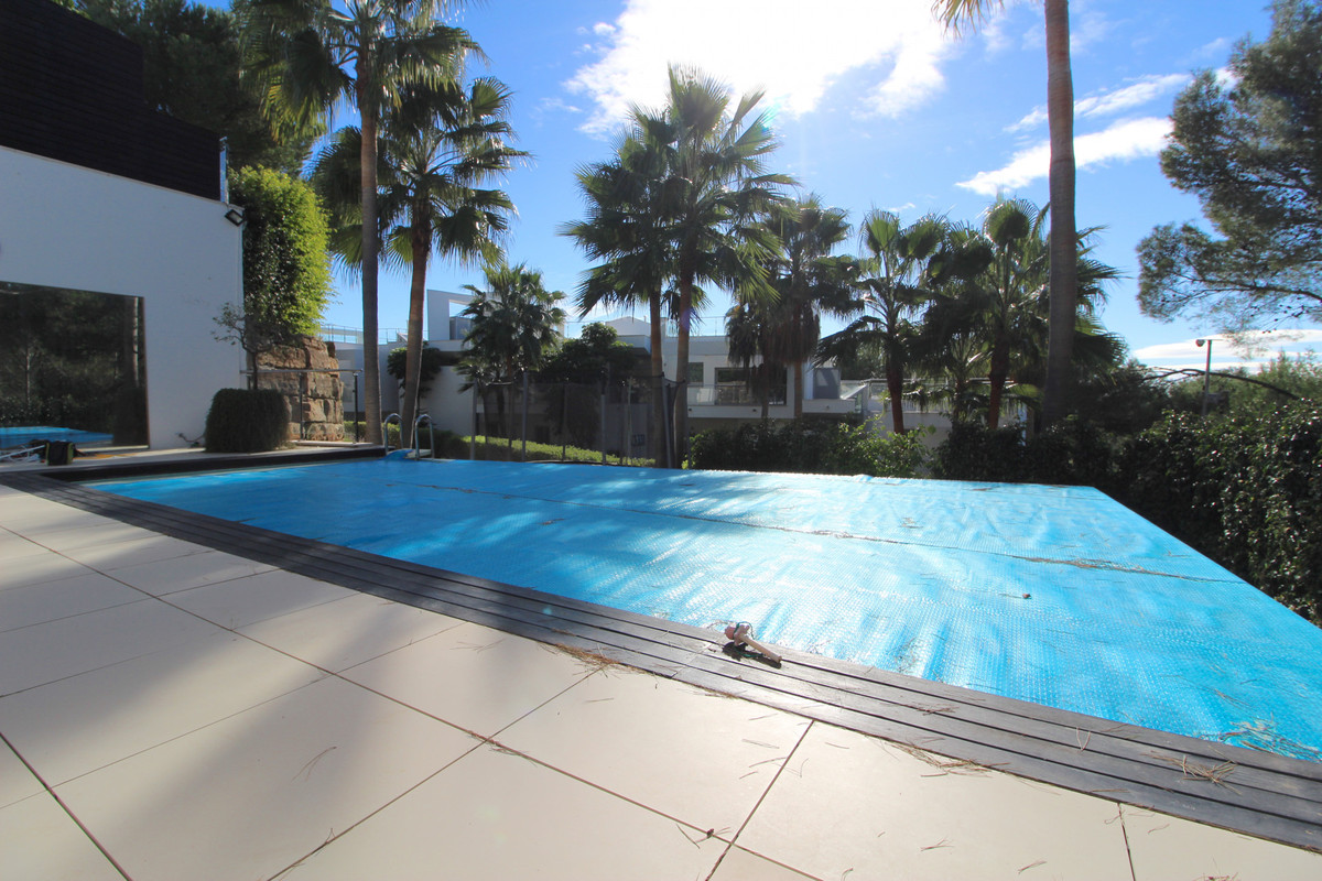 THE PROPERTY  A Beautiful townhouse located within a luxury gated community with 24H security, in th,Spain