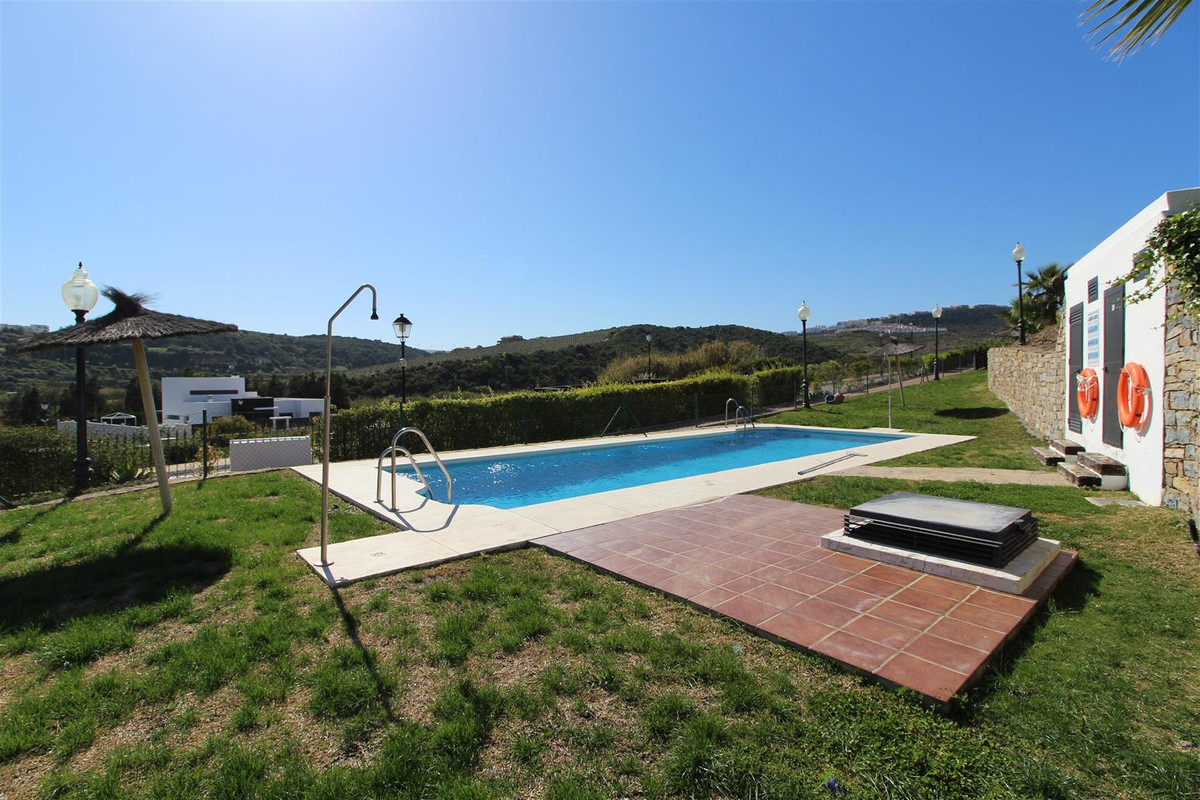 Beautiful apartment on the ground floor in a very quiet urbanization on the first line of golf, with,Spain