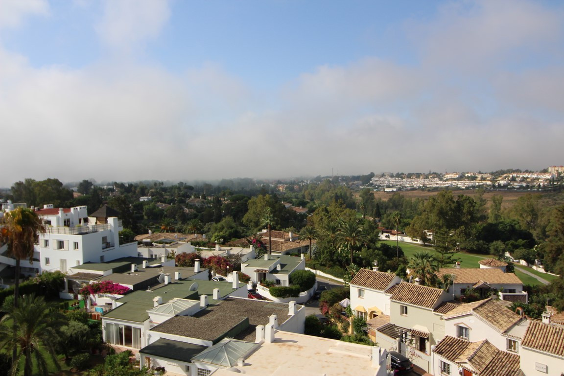Penthouse, Guadalmina Alta, Costa del Sol. 2 Bedrooms, 2 Bathrooms, Built 115 m², Terrace 137 m².  S,Spain