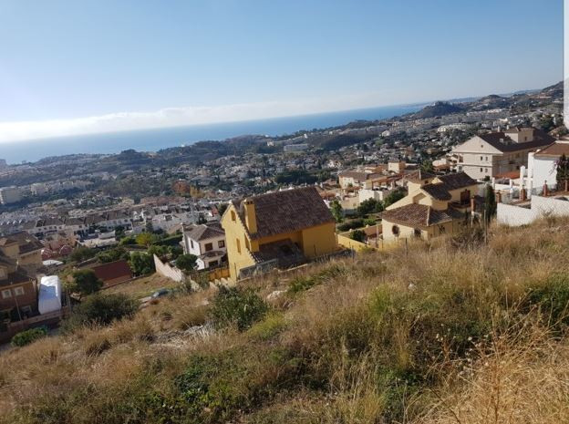 TWO PLOTS FROM 450m2. BUILDINGS. FREE OF CHARGES.Spain