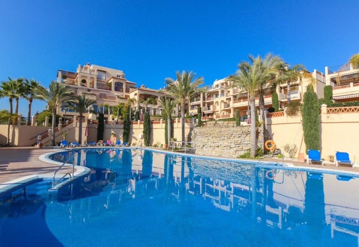 Marbella Banus Ático en Venta en Atalaya – R3366544