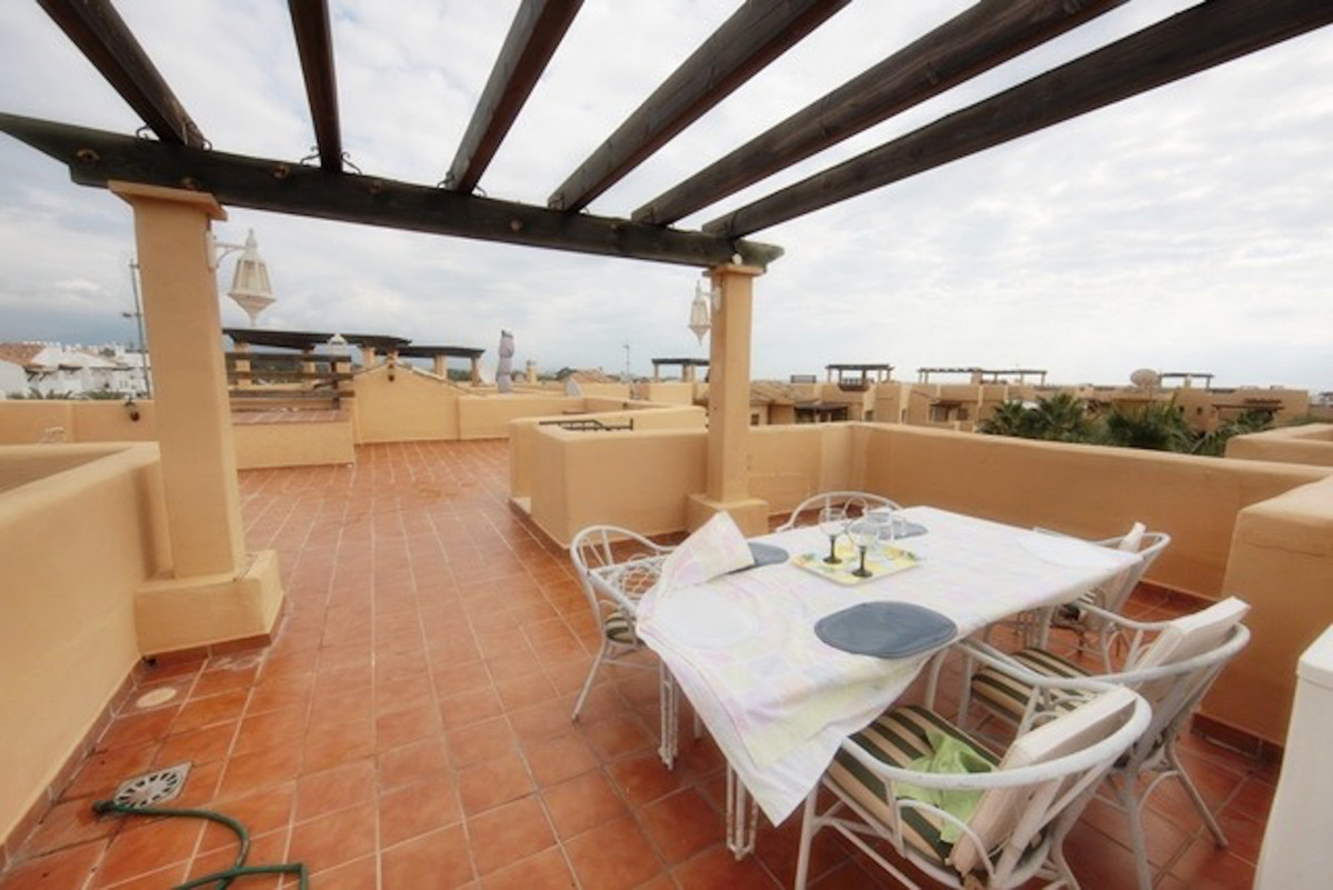 Penthouse, Estepona, Costa del Sol. 2 Bedrooms, 2 Bathrooms, Built 105 m², Terrace 105 m².  Setting , Spain