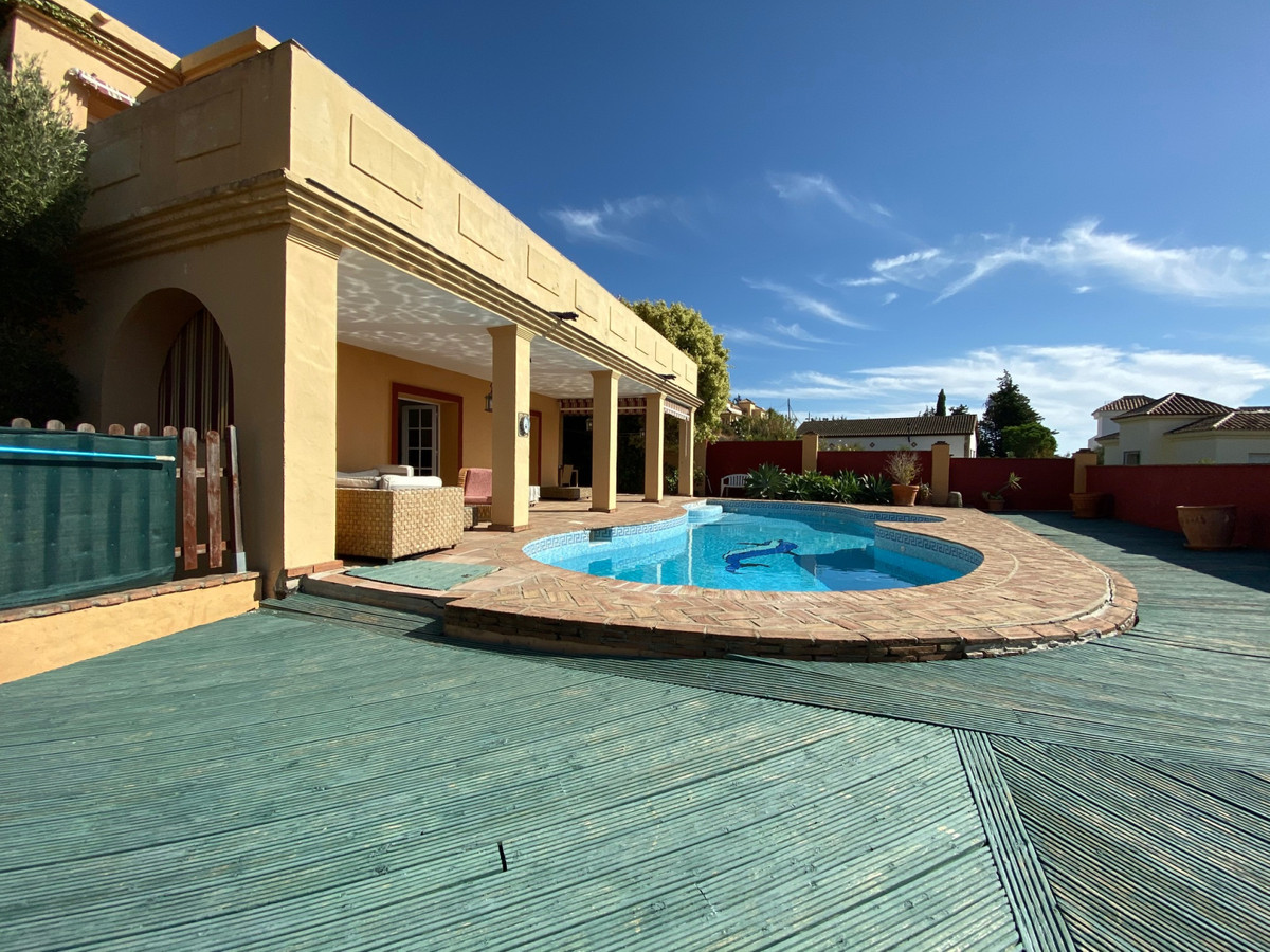 AVAILABLE FROM SEPTEMBER LONG TERM   Detached Villa, Valle Romano, Costa del Sol. 4 Bedrooms, 3 Bath,Spain