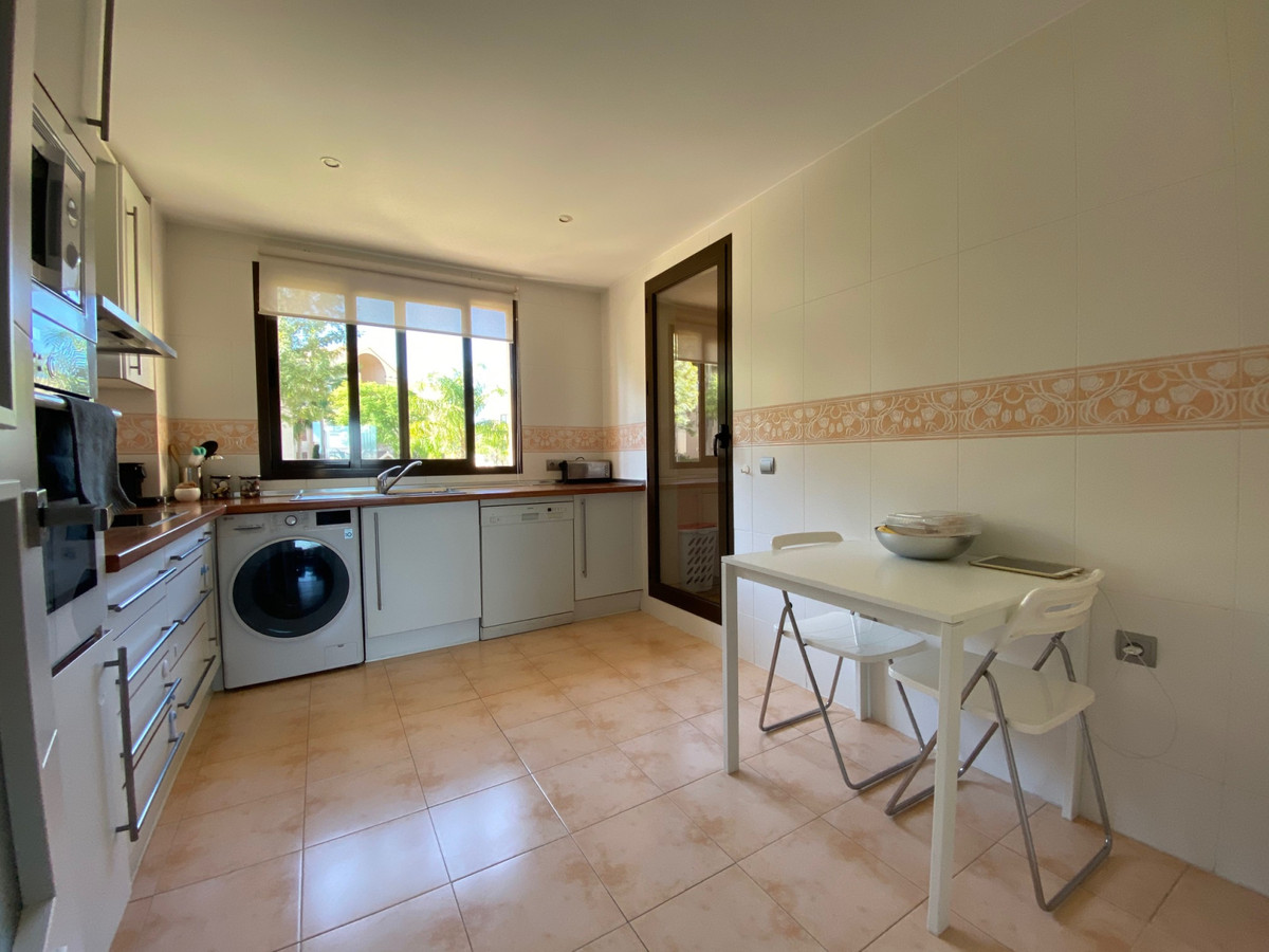 Apartamento con 2 Dormitorios en Venta Benahavís