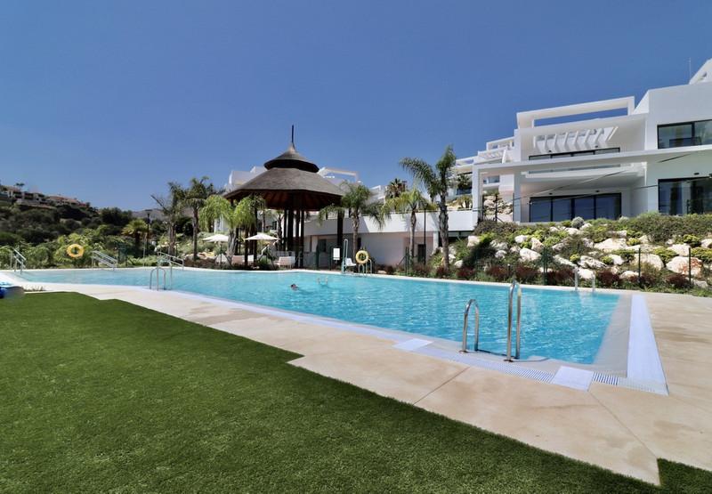 Marbella Banus Apartamento Planta Baja en venta en Atalaya – R3412573