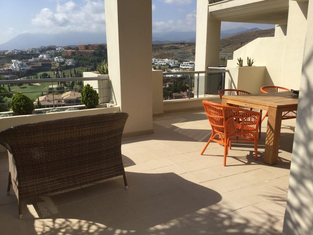 Marbella Banus Apartamento Planta Media en Venta en Los Flamingos – R2753813