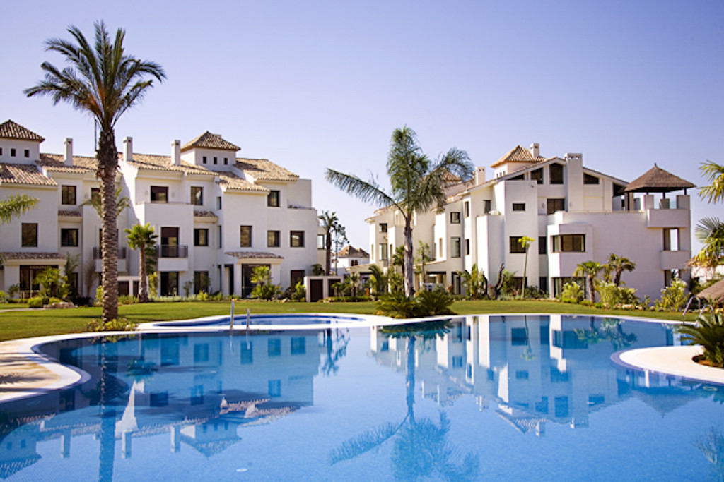 Spacious apartments with 2 bedrooms and 2 bathrooms located within a gated community with 24 h secur, Spain