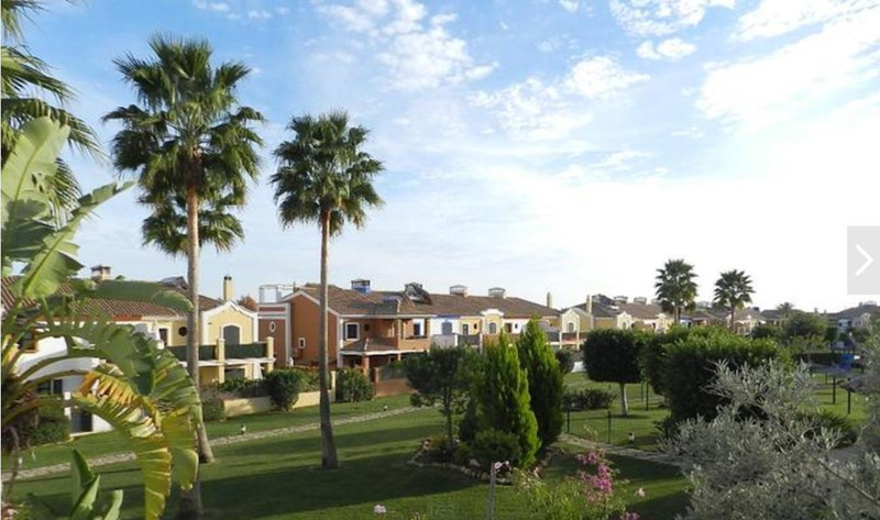 Townhouses for sale in Guadalmina 23