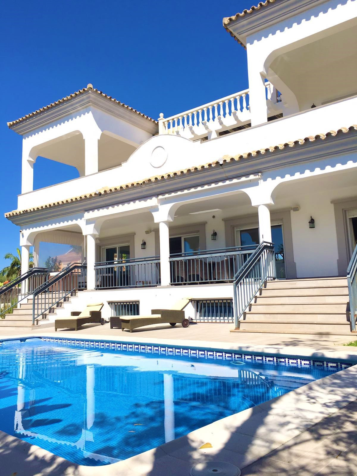 Magnificent villa of 600 m2, its best feature is the spaciousness of each of the rooms, ground floor, Spain