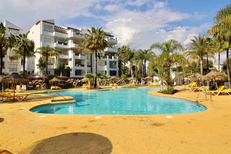 Apartamento Planta Media en venta en Costalita – R2679410