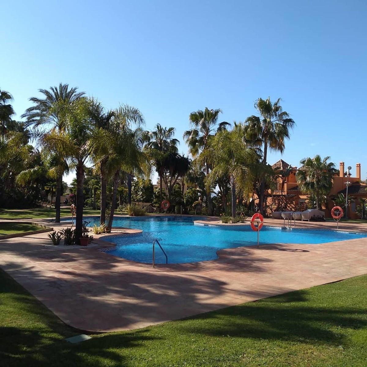 R3388057   Townhouse in Benahavís – € 460,000 – 3 beds, 2.5 baths