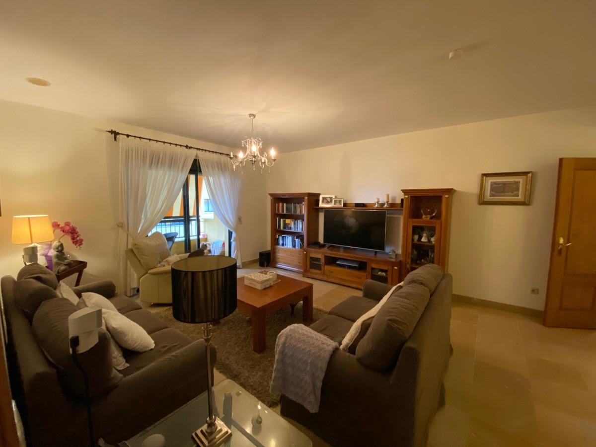 Marbella Banus Apartamento Planta Media en Venta en San Pedro de Alcántara – R3541297