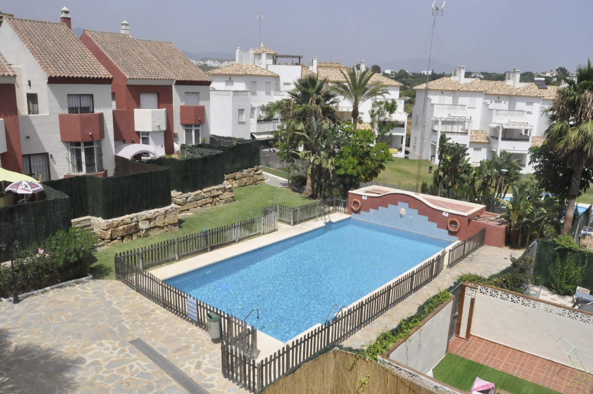 THE PROPERTY  Very beautiful townhouse and completely renovated, from the entrance is the kitchen ve, Spain