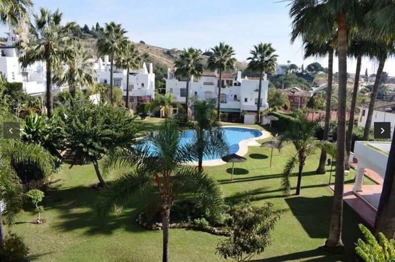 Adosada en venta en Marbella – R3432769