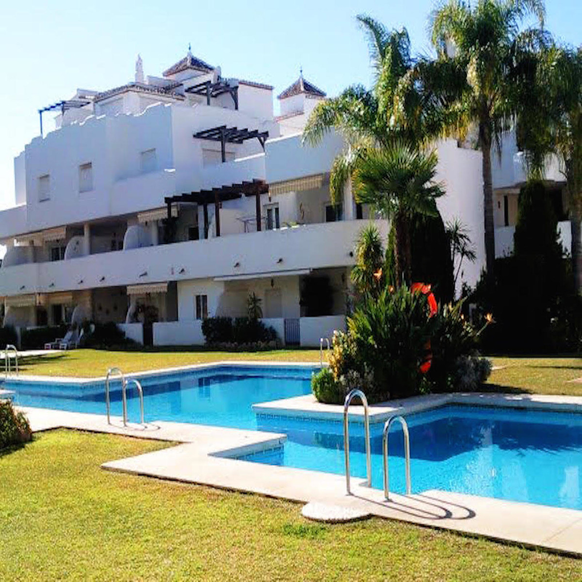 THE PROPERTY  IN THE GOLDEN MILE !!! A corner duplex penthouse located a few meters from the Marbell, Spain