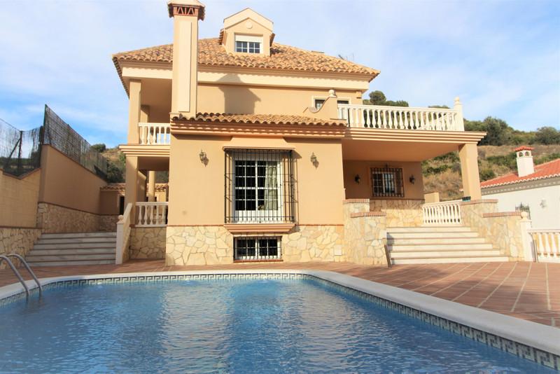 Marbella Banus Villa – Chalet en venta en Benalmadena – R3436543