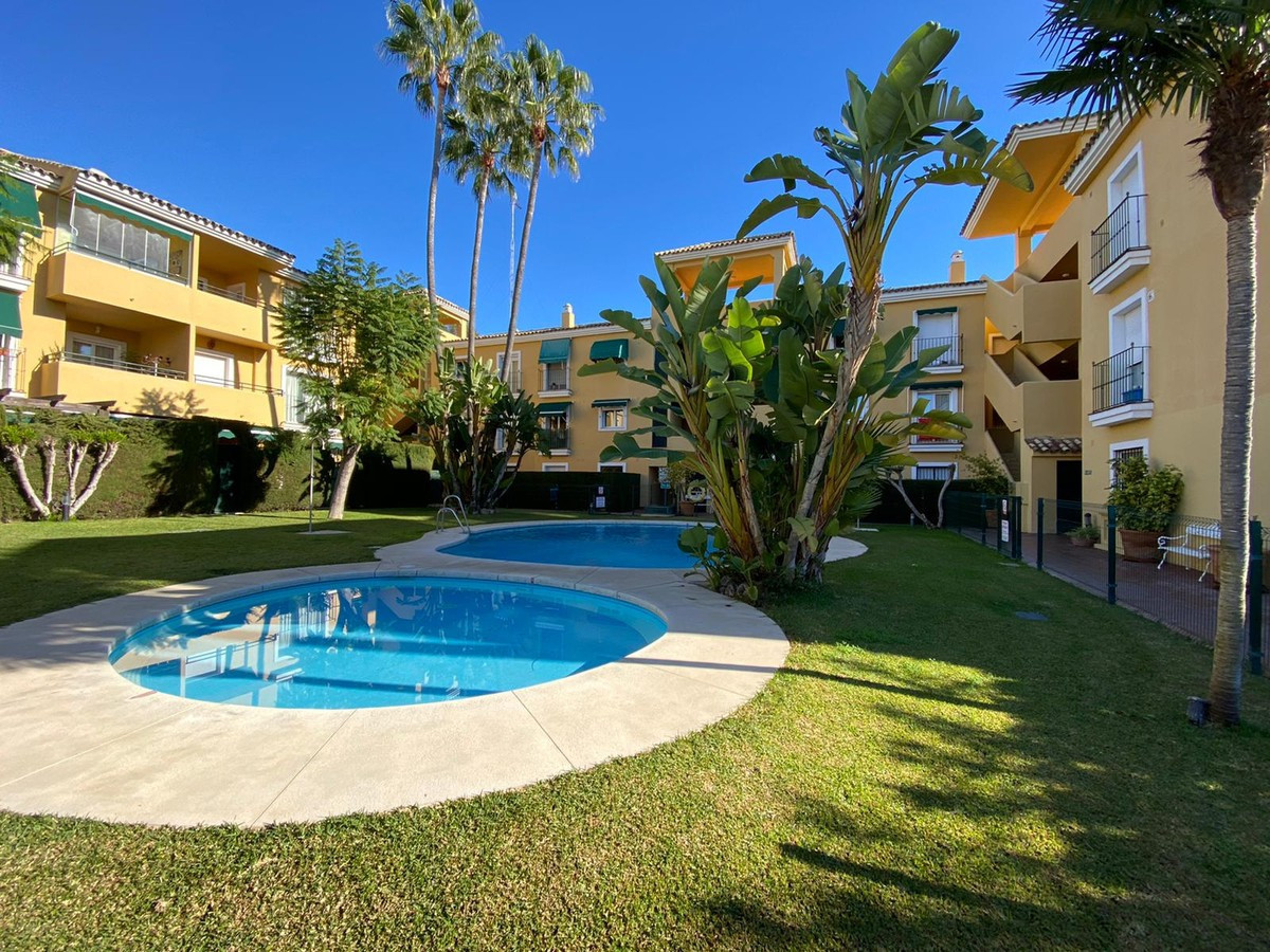 Nice first floor apartment located in Guadalmina Baja, next to the golf course and close to all kind, Spain
