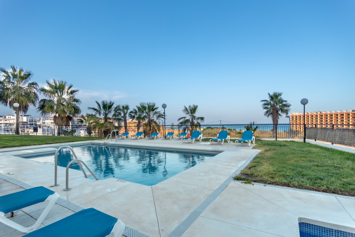 In unbeatable residential area of Benalmadena is this bright apartment with large terrace on the top,Spain