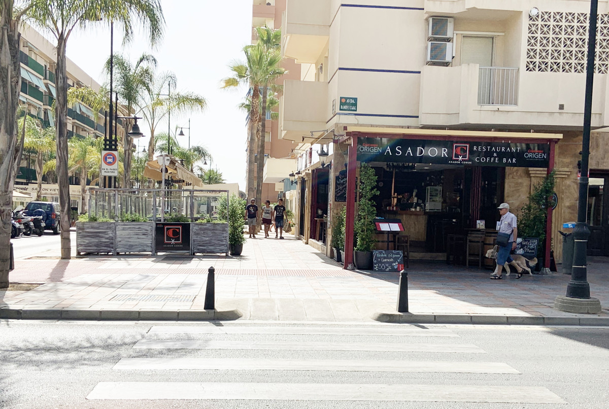 Leasehold - Restaurant a few meters from the sea, Fuengirola Fantastic local fully equipped that cur,Spain
