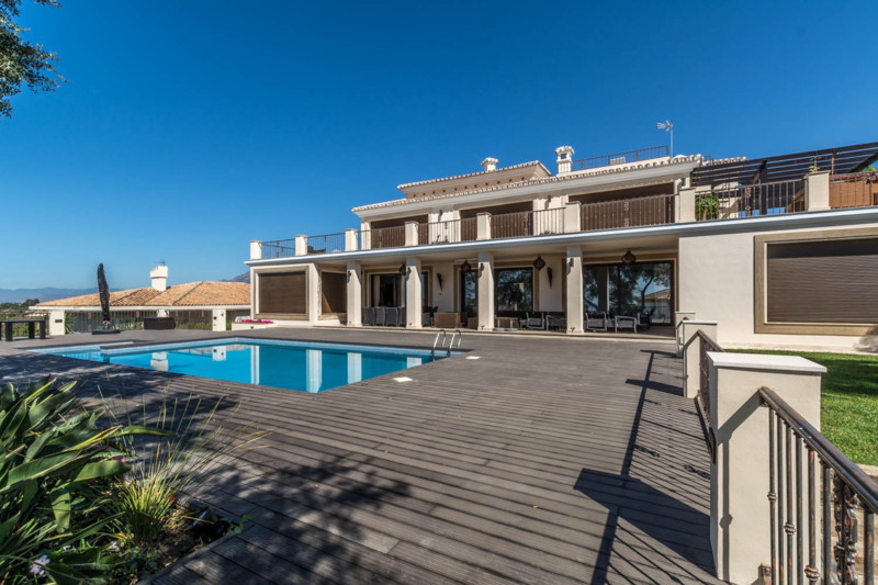 7-bed-Detached Villa for Sale in Elviria