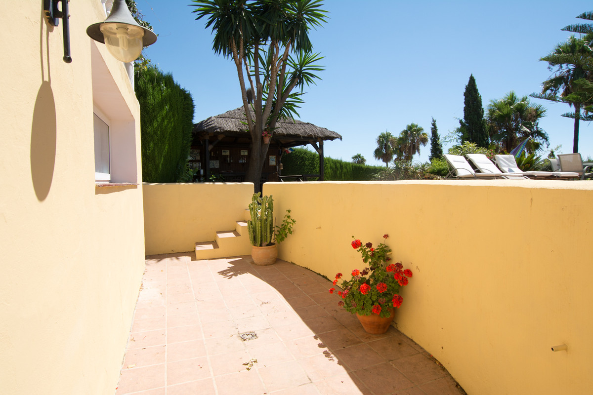 House in El Paraiso R2738222 40
