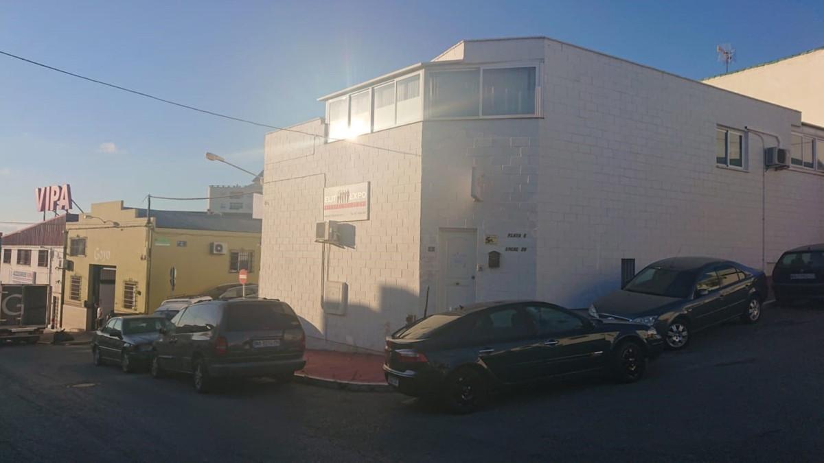 Comercial 3 Dormitorios en Venta Marbella