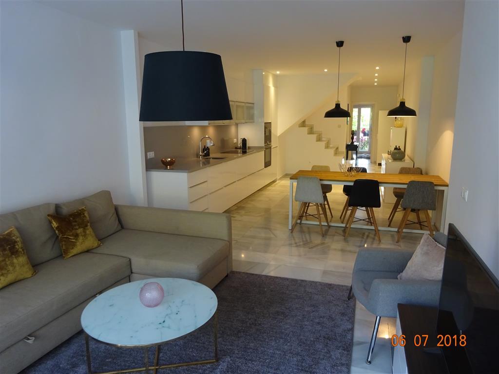 Marbella Banus Apartamento en Venta en Marbella – R3262207