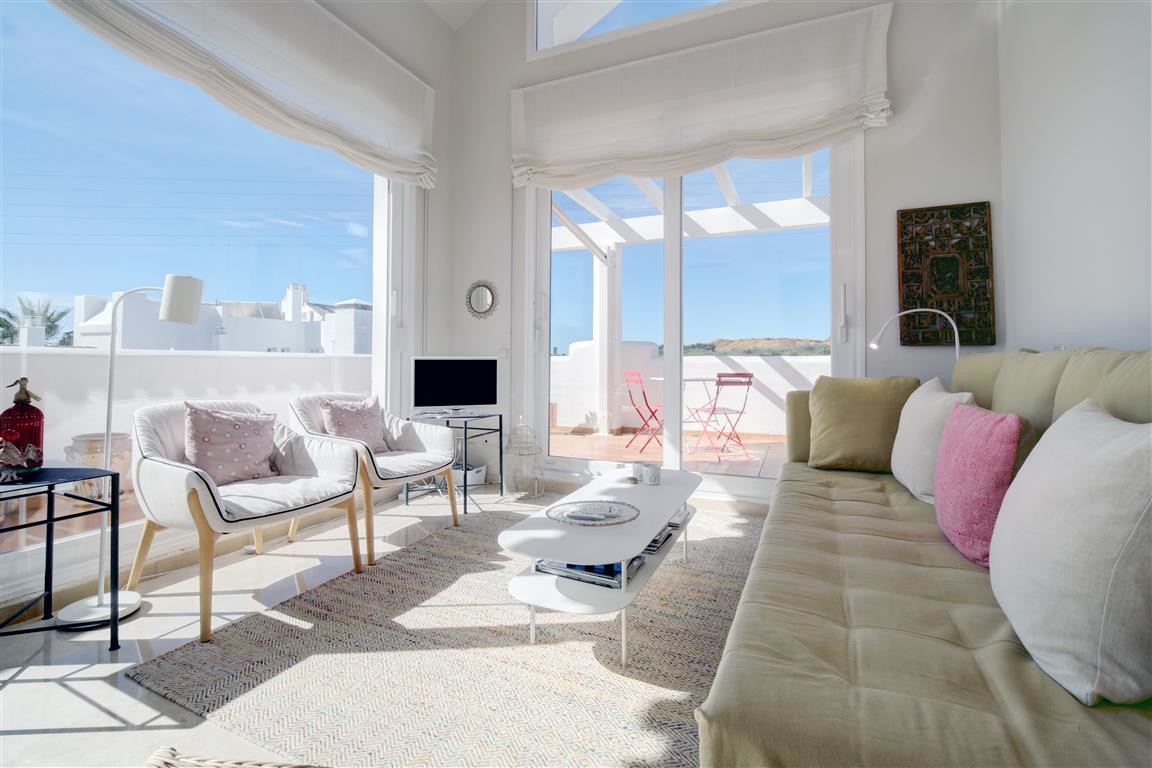 Ref:R3327823 Penthouse For Sale in Estepona