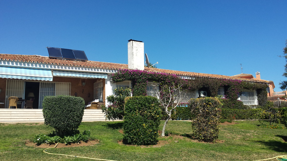 This is an exclusive home to truly fall in love with....a beautiful, detached villa all on one level,Spain