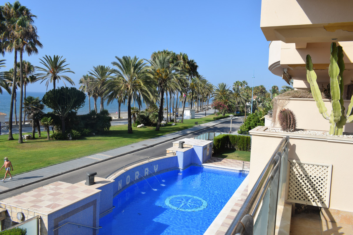 Apartment for sale on San Pedro beach promenade! Situated in the prestigious Noray Playa building, a, Spain