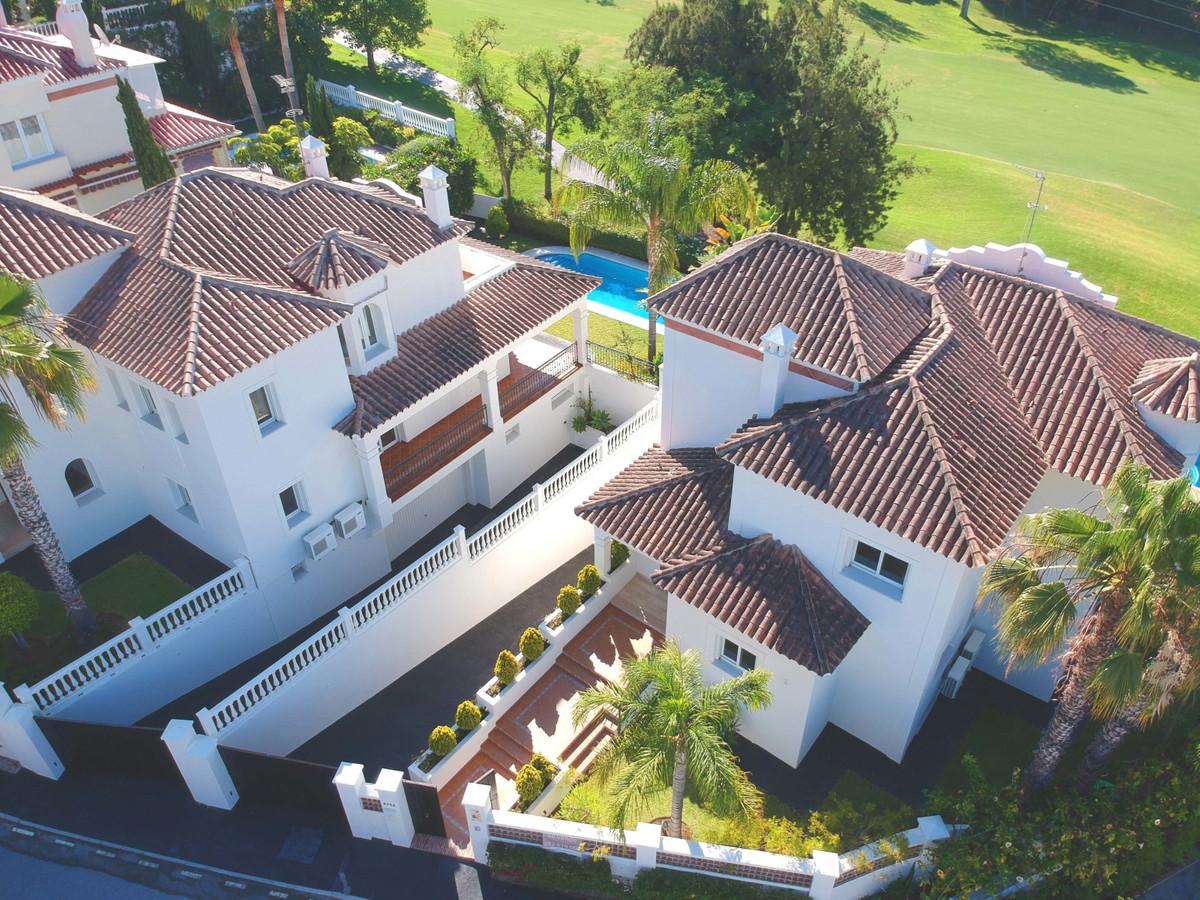 Marbella Banus Villa en Venta en Marbella – R3603221