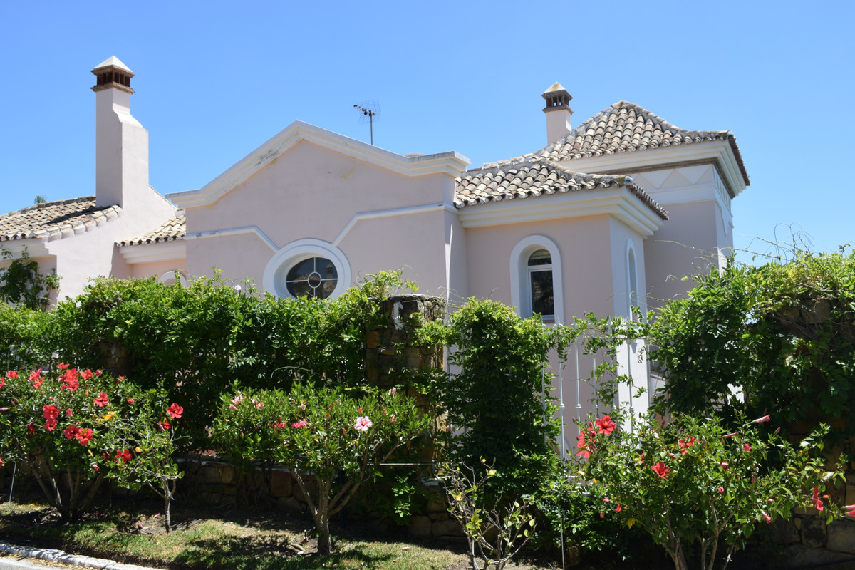 Vrijstaande Villa te koop in Marbella R3423820